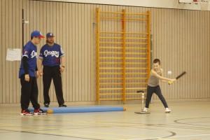 Plattlinger Grundschule schnuppert Baseballluft