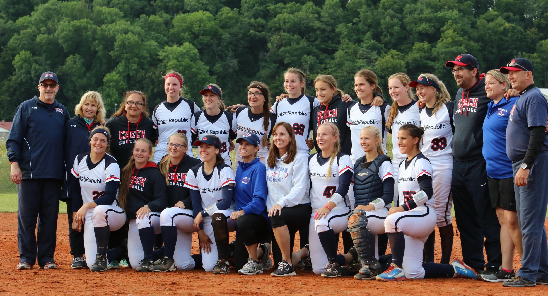 US Softballgirls fighten mit U 19 Nationalteam aus Tschechien